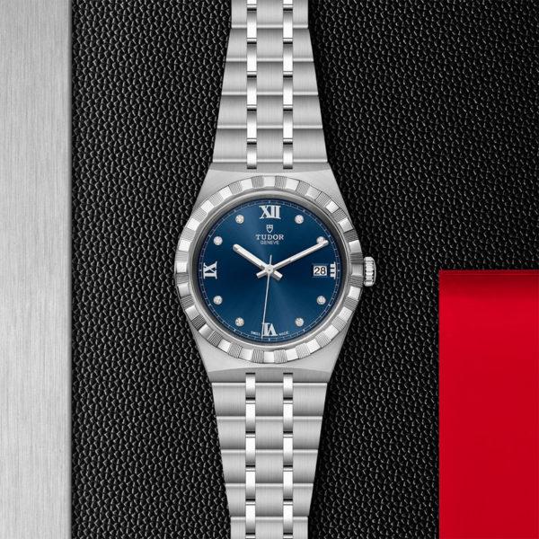 Relógio TUDOR Royal com Caixa em aço, 38 mm, mostrador cravejado de diamantes. Disposição de loja, estendido.