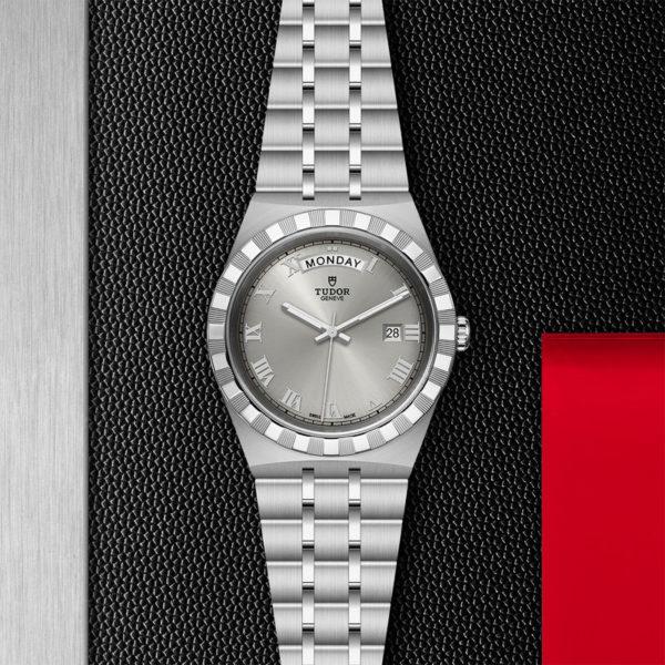 Relógio TUDOR Royal com Caixa em aço, 41 mm, mostrador prateado. Disposição de loja, estendido.