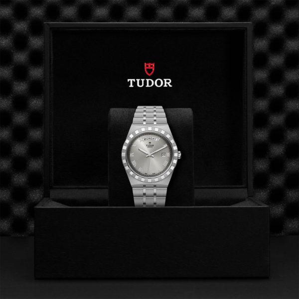 Relógio TUDOR Royal com Caixa em aço, 41 mm, mostrador prateado. Disposição em caixa de marca.