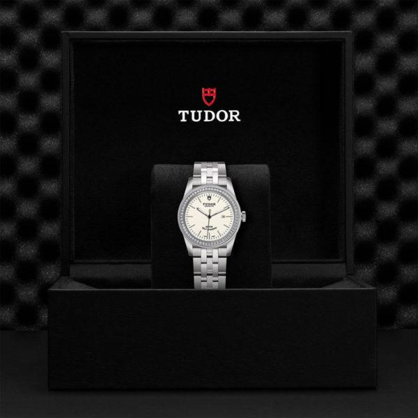Relógio TUDOR Glamour Date com Caixa em aço, 31 mm, luneta cravejada de diamantes. Disposição em caixa de marca.