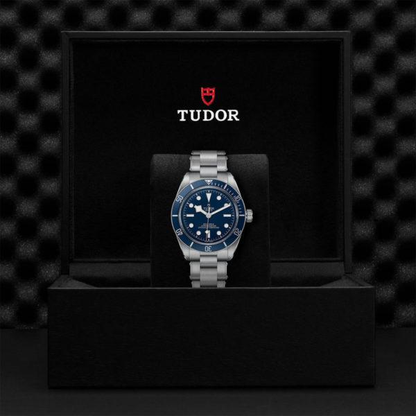 Relógio TUDOR Black Bay Fifty-Eight com Caixa em aço, 39 mm, bracelete em aço. Disposição em caixa de marca.