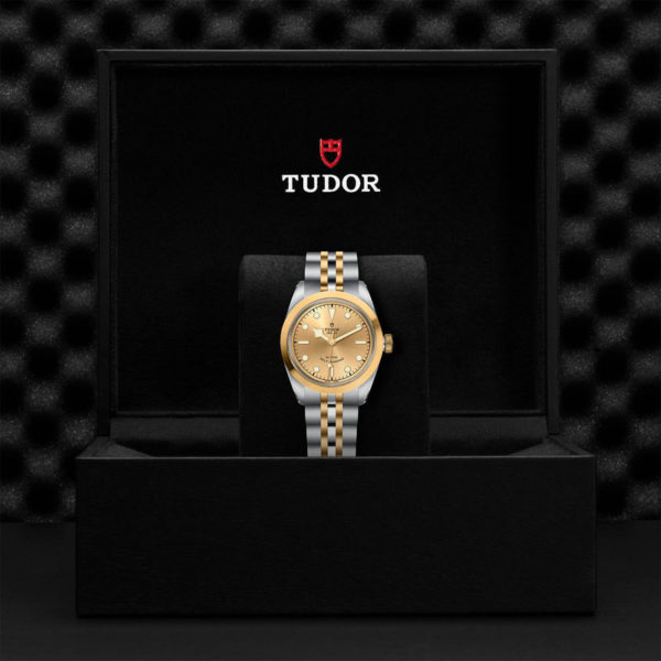 TUDOR Black Bay 32 S&G Watch with 32 mm steel case, steel and gold bracelet. In presentation box.