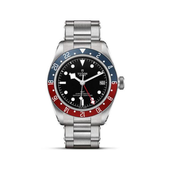 Relógio TUDOR Black Bay GMT com Caixa em aço, 41 mm, bracelete em aço. Disposição vertical, fundo branco.