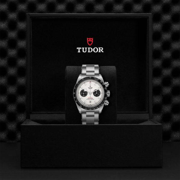 Relógio TUDOR Black Bay Chrono com Caixa em aço, 41 mm, bracelete em aço. Disposição em caixa de marca.