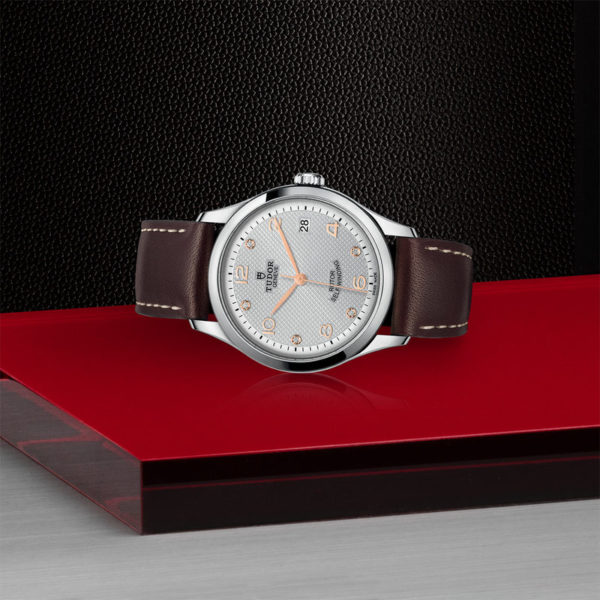 TUDOR 1926 Watch with 36 mm steel case, Diamond-set dial. In store laying down.