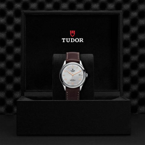 TUDOR 1926 Watch with 39 mm steel case, Diamond-set dial. In presentation box.