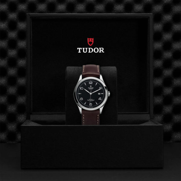 TUDOR 1926 Watch with 41 mm steel case, Black dial. In presentation box.