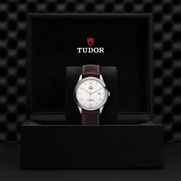 TUDOR 1926 Watch with 41 mm steel case, White dial. In presentation box.